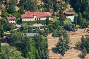 villa-piscina-foto-aerea